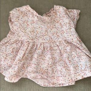 Baby gap floral light pink shirt sleeve